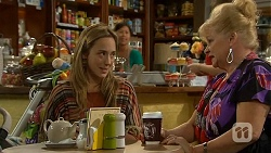 Sonya Rebecchi, Sheila Canning in Neighbours Episode 6684