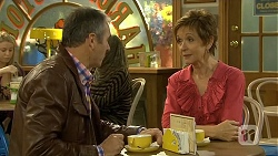 Karl Kennedy, Susan Kennedy in Neighbours Episode 6685
