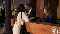 Imogen Willis, Paul Robinson, Terese Willis in Neighbours Episode 6685