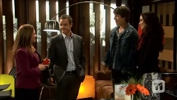 Terese Willis, Paul Robinson, Mason Turner, Kate Ramsay in Neighbours Episode 6686