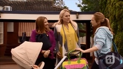 Terese Willis, Lauren Turner, Sonya Mitchell in Neighbours Episode 6686