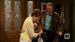 Susan Kennedy, Holly Hoyland, Karl Kennedy in Neighbours Episode 6686