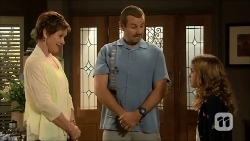 Susan Kennedy, Toadie Rebecchi, Holly Hoyland in Neighbours Episode 6687