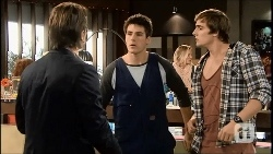 Brad Willis, Chris Pappas, Kyle Canning in Neighbours Episode 6692