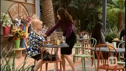 Sheila Canning, Kate Ramsay in Neighbours Episode 6692