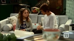 Holly Hoyland, Susan Kennedy in Neighbours Episode 6696