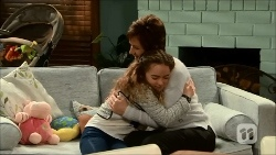Susan Kennedy, Holly Hoyland in Neighbours Episode 6696
