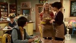 Bailey Turner, Lauren Turner, Vanessa Villante in Neighbours Episode 6696