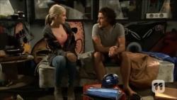 Amber Turner, Robbo Slade in Neighbours Episode 6701