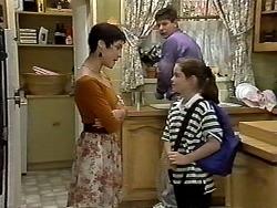 Kerry Bishop, Joe Mangel, Lochy McLachlan in Neighbours Episode 1191