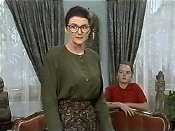 Dorothy Burke, Lochy McLachlan in Neighbours Episode 1195