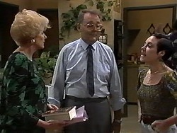 Madge Bishop, Harold Bishop, Kerry Bishop in Neighbours Episode 1195