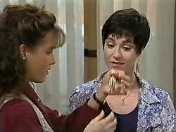 Christina Alessi, Kerry Bishop in Neighbours Episode 1196