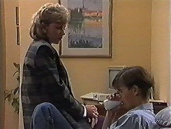 Beverly Marshall, Todd Landers in Neighbours Episode 1198