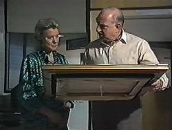 Helen Daniels, Derek Wilcox in Neighbours Episode 1200
