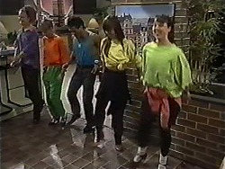 Leone, Melanie Pearson, Thommo, Janelle, Babs in Neighbours Episode 1201