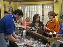 Des Clarke, Christina Alessi, Melanie Pearson in Neighbours Episode 1202
