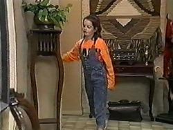 Lochy McLachlan in Neighbours Episode 1203