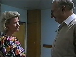 Helen Daniels, Derek Wilcox in Neighbours Episode 1204
