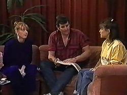 Melanie Pearson, Des Clarke, Christina Alessi in Neighbours Episode 1207
