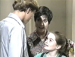Ryan McLachlan, Kerry Bishop, Lochy McLachlan in Neighbours Episode 1209