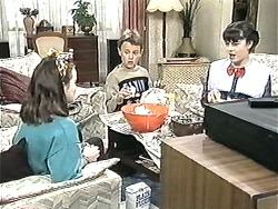 Lochy McLachlan, Toby Mangel, Natasha Kovac in Neighbours Episode 1209