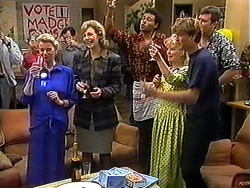 Helen Daniels, Beverly Marshall, Eddie Buckingham, Sharon Davies, Ryan McLachlan, Des Clarke in Neighbours Episode 1210