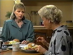 Beverly Robinson, Helen Daniels in Neighbours Episode 1210