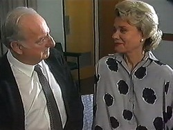 Derek Wilcox, Helen Daniels in Neighbours Episode 1210
