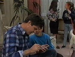 Joe Mangel, Toby Mangel, Kerry Bishop, Lochy McLachlan in Neighbours Episode 1211