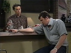 Matt Robinson, Des Clarke in Neighbours Episode 1213