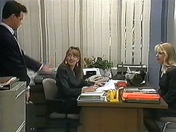 Paul Robinson, Melanie Pearson, Trinity in Neighbours Episode 1213