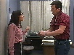 Candice Hopkins, Des Clarke in Neighbours Episode 1214