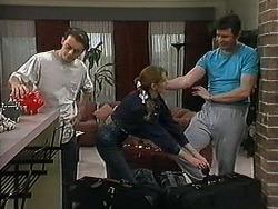 Matt Robinson, Melanie Pearson, Des Clarke in Neighbours Episode 1215