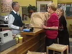 Harold Bishop, Madge Bishop, Sharon Davies in Neighbours Episode 1216