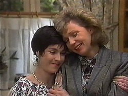 Kerry Bishop, Beverly Robinson in Neighbours Episode 1218