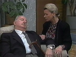 Derek Wilcox, Helen Daniels in Neighbours Episode 1218