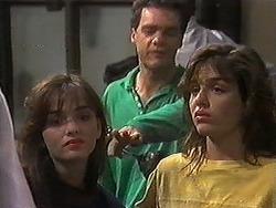 Christina Alessi, Paul Robinson, Caroline Alessi in Neighbours Episode 1220