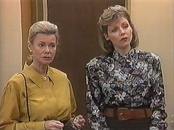 Helen Daniels, Beverly Marshall in Neighbours Episode 1222