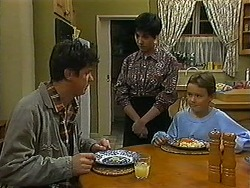 Joe Mangel, Kerry Bishop, Toby Mangel in Neighbours Episode 1225