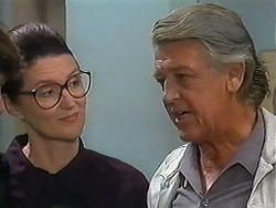 Dorothy Burke, Clarrie McLachlan in Neighbours Episode 1226