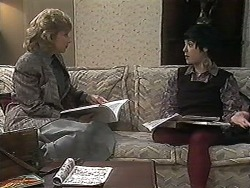 Beverly Robinson, Kerry Bishop in Neighbours Episode 1227