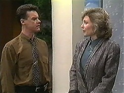 Paul Robinson, Beverly Robinson in Neighbours Episode 1227
