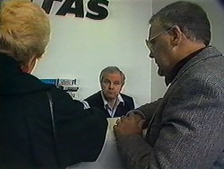 Madge Bishop, Bus Station Attendant, Harold Bishop in Neighbours Episode 1228
