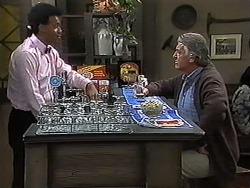 Eddie Buckingham, Clarrie McLachlan in Neighbours Episode 1235
