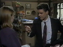 Melanie Pearson, Paul Robinson in Neighbours Episode 1238