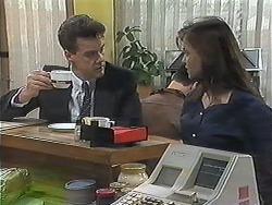 Paul Robinson, Caroline Alessi in Neighbours Episode 1239