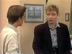 Todd Landers, Beverly Robinson in Neighbours Episode 1241