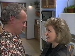 Jim Robinson, Beverly Marshall in Neighbours Episode 1249