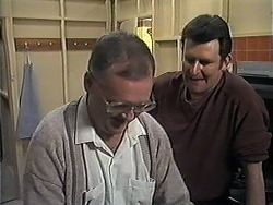 Harold Bishop, Des Clarke in Neighbours Episode 1249